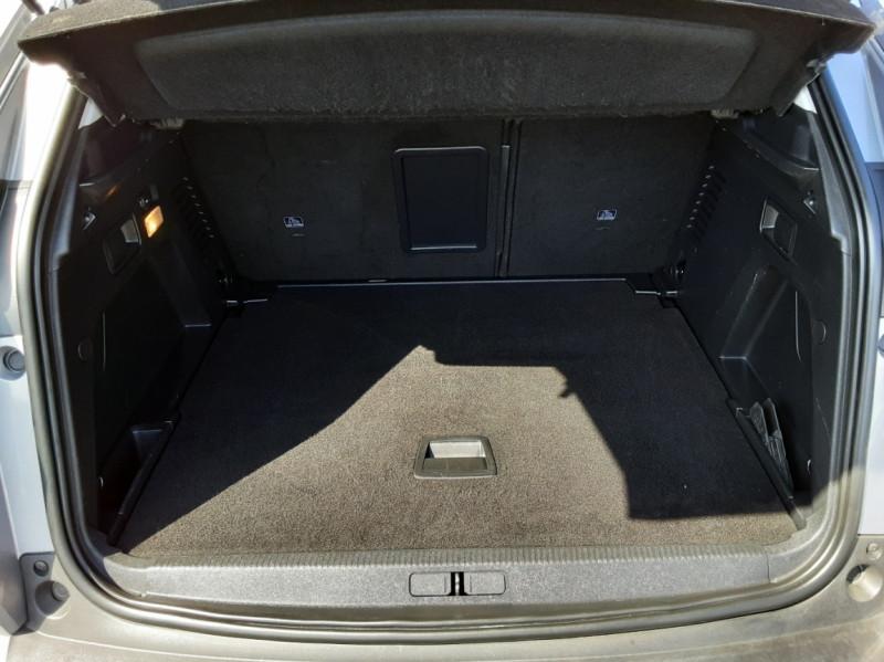 Photo 19 de l'offre de PEUGEOT 3008 1.6 BlueHDi 120ch SetS EAT6 Active Business à 22300€ chez Centrale auto marché Périgueux