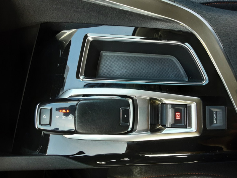 Photo 27 de l'offre de PEUGEOT 3008 1.6 BlueHDi 120ch SetS EAT6 Active Business à 22300€ chez Centrale auto marché Périgueux