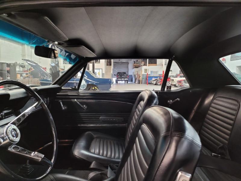 Photo 5 de l'offre de FORD MUSTANG COUPE 302 CI V8 verte à 35000€ chez Centrale auto marché Périgueux