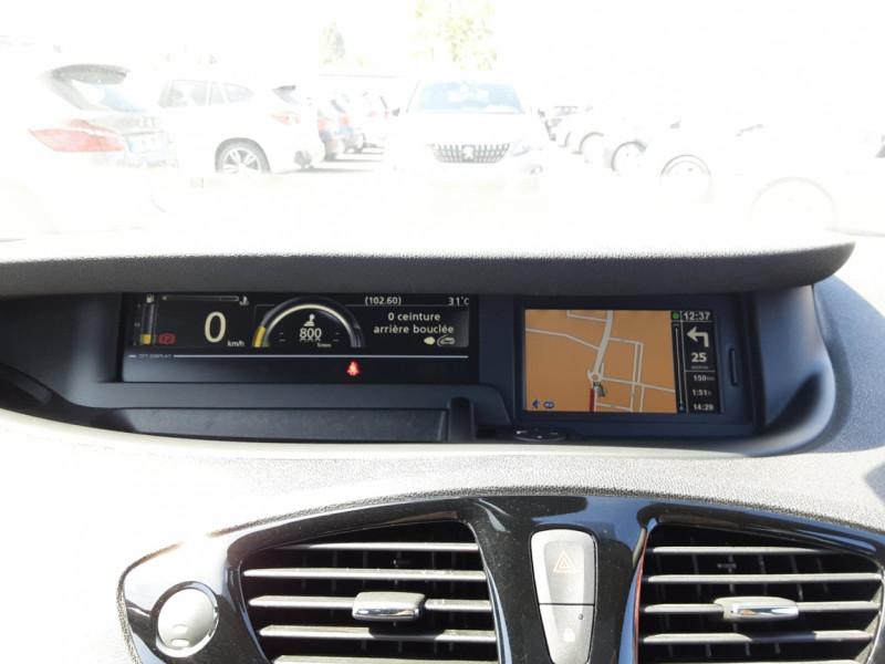 Photo 23 de l'offre de RENAULT SCENIC dCi 130 Energy FAP eco2 Bose Edition à 8900€ chez Centrale auto marché Périgueux