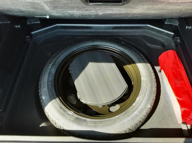 Photo 18 de l'offre de PEUGEOT 3008 1.6 BlueHDi 120ch SetS EAT6 Active Business à 22300€ chez Centrale auto marché Périgueux