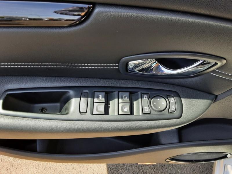 Photo 25 de l'offre de RENAULT SCENIC dCi 130 Energy FAP eco2 Bose Edition à 8900€ chez Centrale auto marché Périgueux