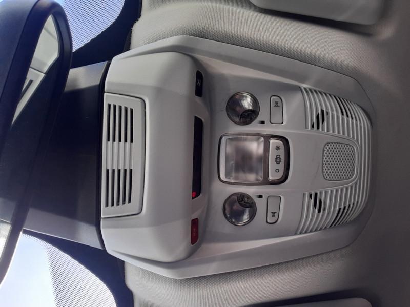 Photo 47 de l'offre de PEUGEOT 3008 1.6 BlueHDi 120ch SetS EAT6 Active Business à 22300€ chez Centrale auto marché Périgueux