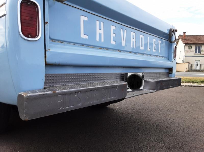 Photo 9 de l'offre de CHEVROLET C10 v8 à 22000€ chez Centrale auto marché Périgueux