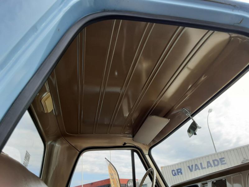 Photo 17 de l'offre de CHEVROLET C10 v8 à 22000€ chez Centrale auto marché Périgueux