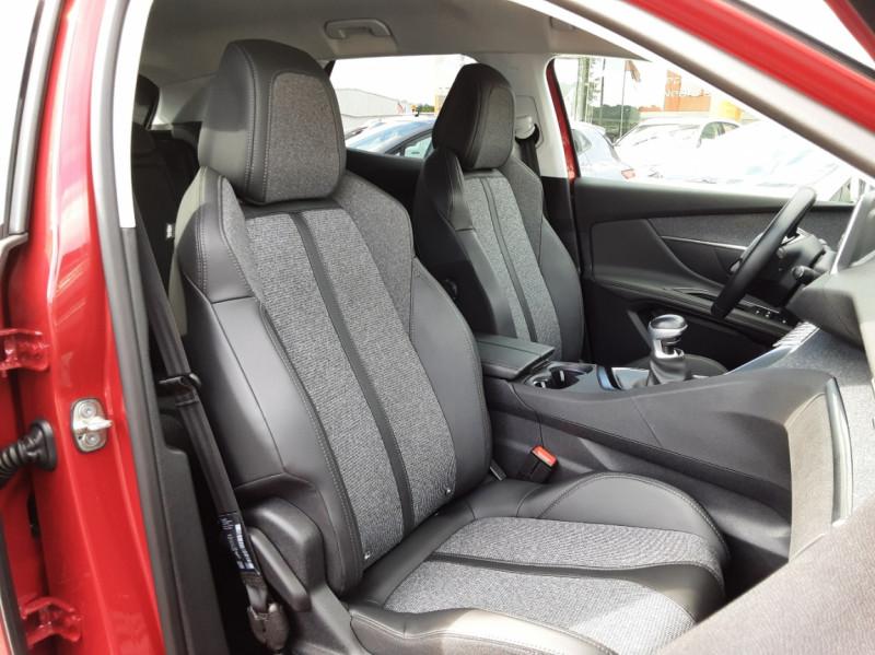 Photo 11 de l'offre de PEUGEOT 3008 1.6 BlueHDi 120ch SetS BVM6 Allure à 20500€ chez Centrale auto marché Périgueux