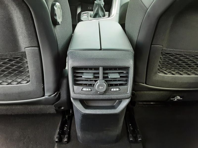 Photo 31 de l'offre de PEUGEOT 3008 1.6 BlueHDi 120ch SetS BVM6 Allure à 20500€ chez Centrale auto marché Périgueux