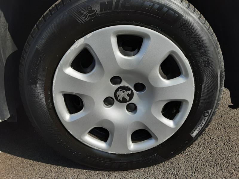Photo 23 de l'offre de PEUGEOT PARTNER 1.6 BLUEHDI 100 SetS BVM5 PREMIUM PACK à 11990€ chez Centrale auto marché Périgueux