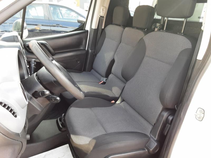 Photo 12 de l'offre de PEUGEOT PARTNER 1.6 BLUEHDI 100 SetS BVM5 PREMIUM PACK à 11990€ chez Centrale auto marché Périgueux