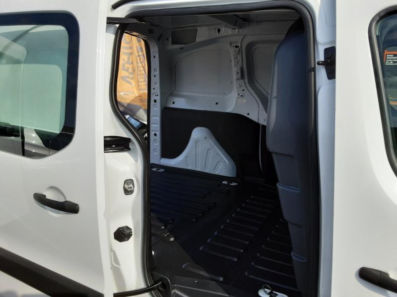Photo 20 de l'offre de PEUGEOT PARTNER 1.6 BLUEHDI 100 SetS BVM5 PREMIUM PACK à 11990€ chez Centrale auto marché Périgueux