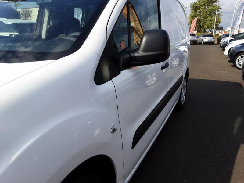 Photo 33 de l'offre de PEUGEOT PARTNER 1.6 BLUEHDI 100 SetS BVM5 PREMIUM PACK à 11990€ chez Centrale auto marché Périgueux