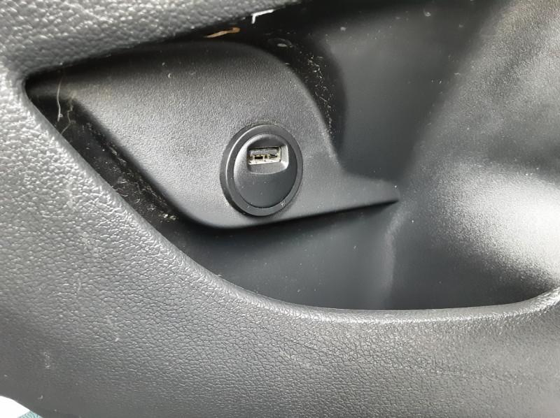 Photo 35 de l'offre de PEUGEOT PARTNER 1.6 BLUEHDI 100 SetS BVM5 PREMIUM PACK à 11990€ chez Centrale auto marché Périgueux