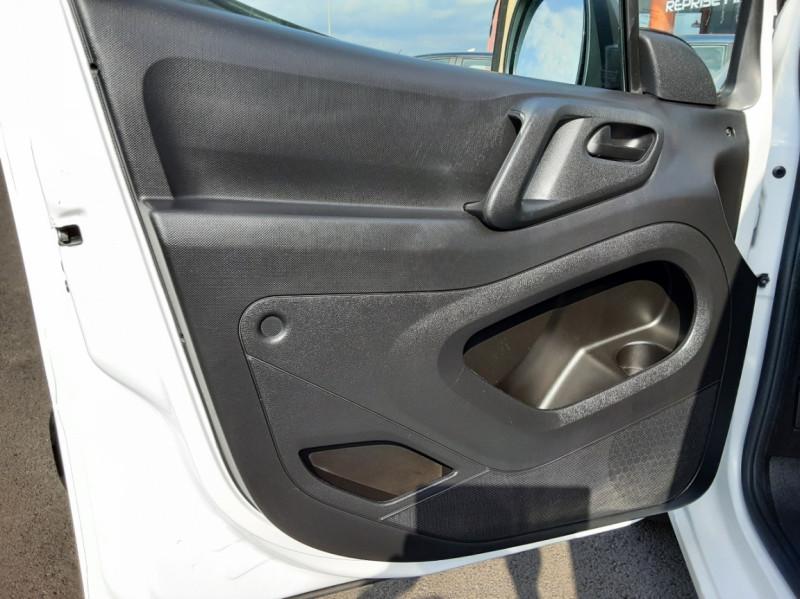 Photo 26 de l'offre de PEUGEOT PARTNER 1.6 BLUEHDI 100 SetS BVM5 PREMIUM PACK à 11990€ chez Centrale auto marché Périgueux
