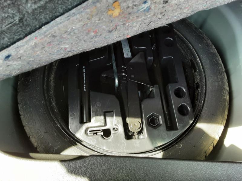 Photo 8 de l'offre de RENAULT CAPTUR dCi 90 Energy Business  à 11900€ chez Centrale auto marché Périgueux