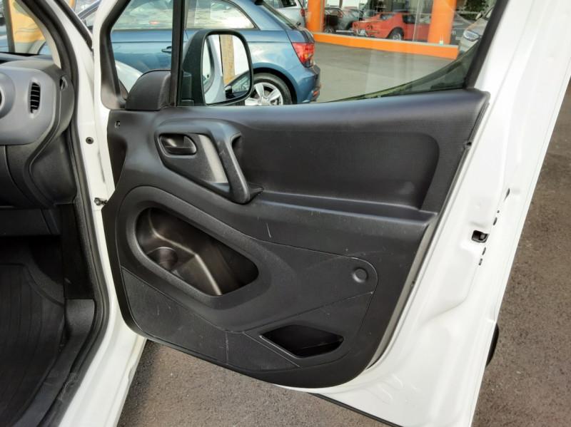 Photo 47 de l'offre de PEUGEOT PARTNER 1.6 BLUEHDI 100 SetS BVM5 PREMIUM PACK à 11990€ chez Centrale auto marché Périgueux