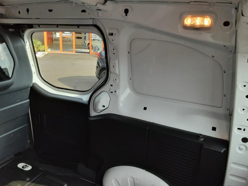 Photo 48 de l'offre de PEUGEOT PARTNER 1.6 BLUEHDI 100 SetS BVM5 PREMIUM PACK à 11990€ chez Centrale auto marché Périgueux