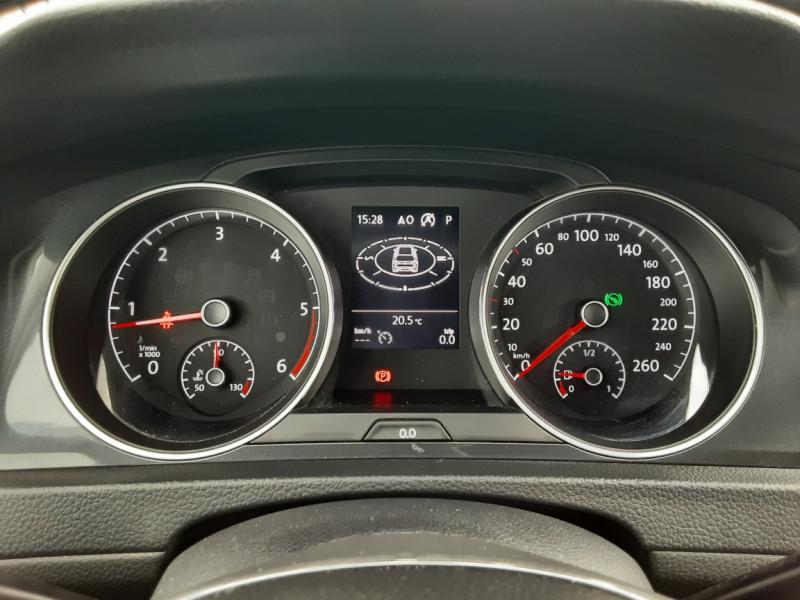 Photo 10 de l'offre de VOLKSWAGEN GOLF 2.0 TDI 150 BMT DSG7 Confortline à 20500€ chez Centrale auto marché Périgueux