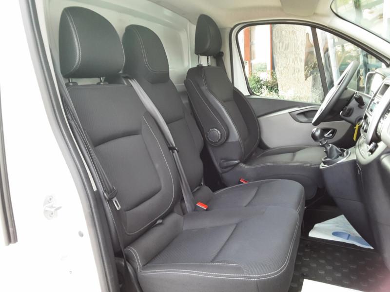 Photo 22 de l'offre de RENAULT TRAFIC CA L1H1 1000 KG DCI 120 E6 GRAND CONFORT  à 16900€ chez Centrale auto marché Périgueux