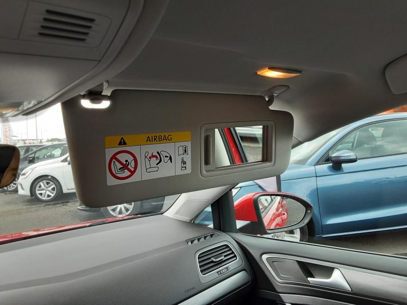 Photo 38 de l'offre de VOLKSWAGEN GOLF 2.0 TDI 150 BMT DSG7 Confortline à 20500€ chez Centrale auto marché Périgueux