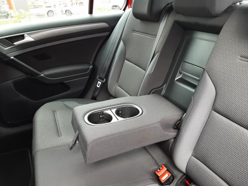Photo 49 de l'offre de VOLKSWAGEN GOLF 2.0 TDI 150 BMT DSG7 Confortline à 20500€ chez Centrale auto marché Périgueux