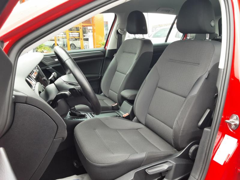 Photo 13 de l'offre de VOLKSWAGEN GOLF 2.0 TDI 150 BMT DSG7 Confortline à 20500€ chez Centrale auto marché Périgueux