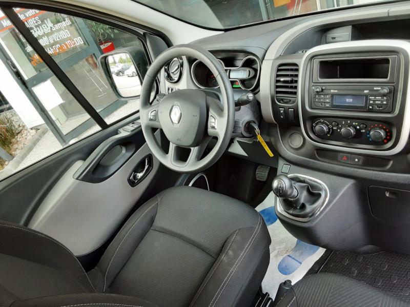 Photo 27 de l'offre de RENAULT TRAFIC CA L1H1 1000 KG DCI 120 E6 GRAND CONFORT  à 16900€ chez Centrale auto marché Périgueux