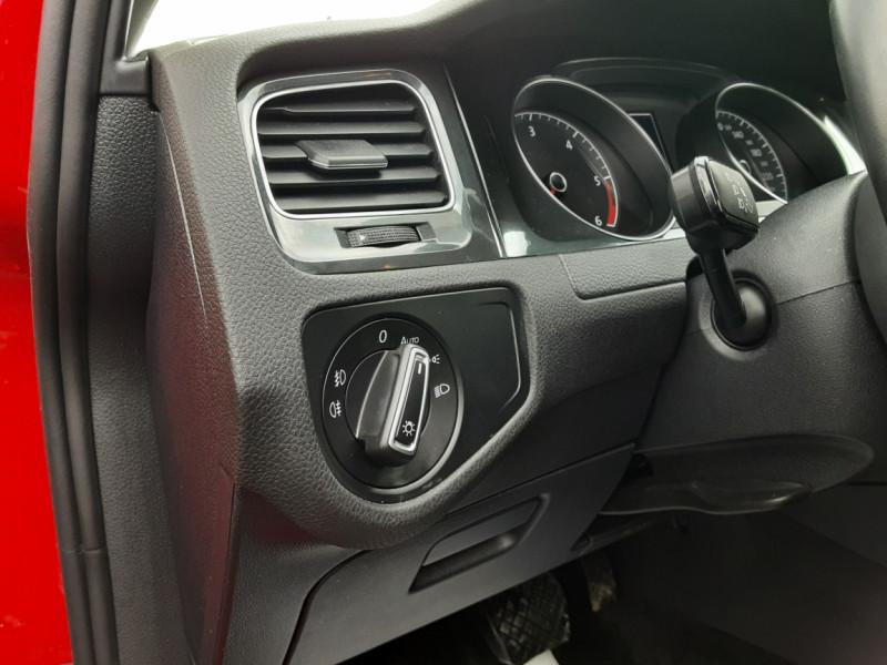 Photo 45 de l'offre de VOLKSWAGEN GOLF 2.0 TDI 150 BMT DSG7 Confortline à 20500€ chez Centrale auto marché Périgueux