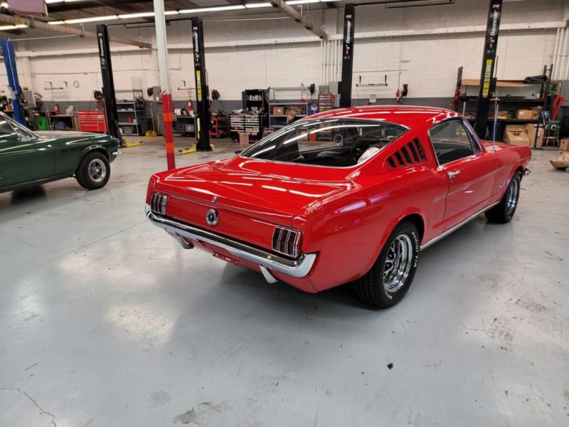 Photo 23 de l'offre de FORD MUSTANG FASTBACK 289 CI V8 à 65000€ chez Centrale auto marché Périgueux