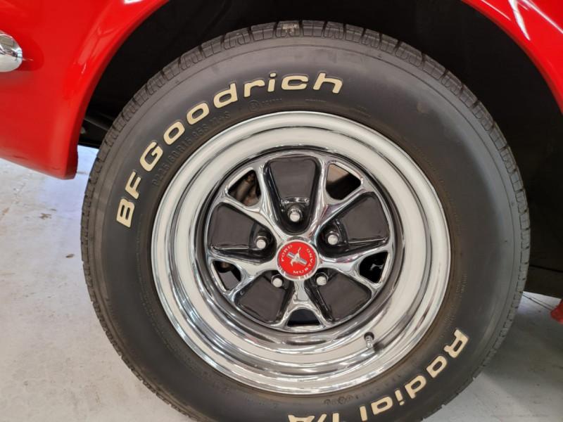 Photo 13 de l'offre de FORD MUSTANG FASTBACK 289 CI V8 à 65000€ chez Centrale auto marché Périgueux