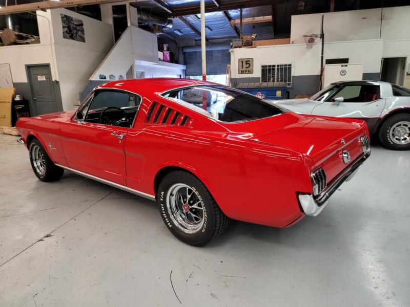 Photo 29 de l'offre de FORD MUSTANG FASTBACK 289 CI V8 à 65000€ chez Centrale auto marché Périgueux