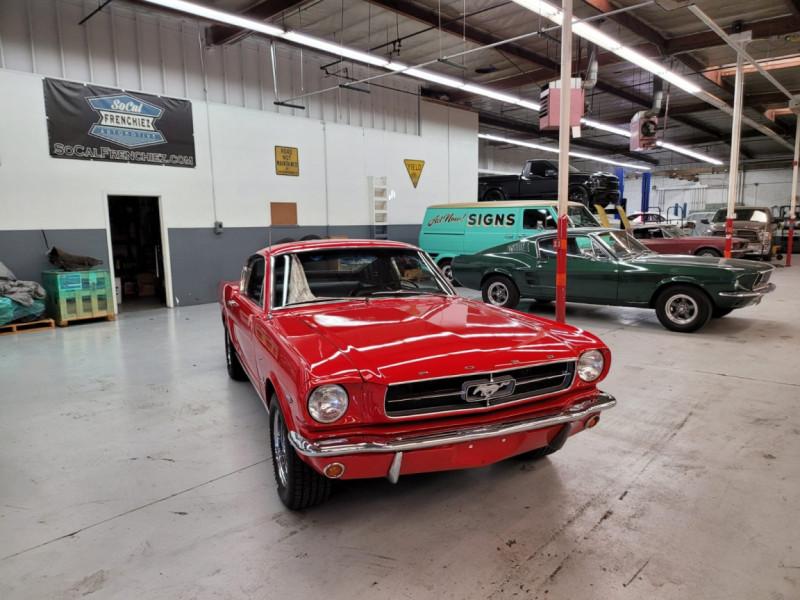 Photo 25 de l'offre de FORD MUSTANG FASTBACK 289 CI V8 à 65000€ chez Centrale auto marché Périgueux