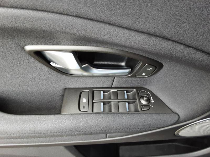 Photo 49 de l'offre de LAND-ROVER RANGE ROVER EVOQUE TD4 180 BVA Business à 27990€ chez Centrale auto marché Périgueux