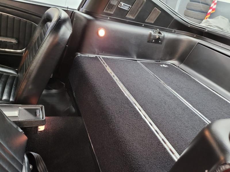 Photo 9 de l'offre de FORD MUSTANG FASTBACK 289 CI V8 à 65000€ chez Centrale auto marché Périgueux