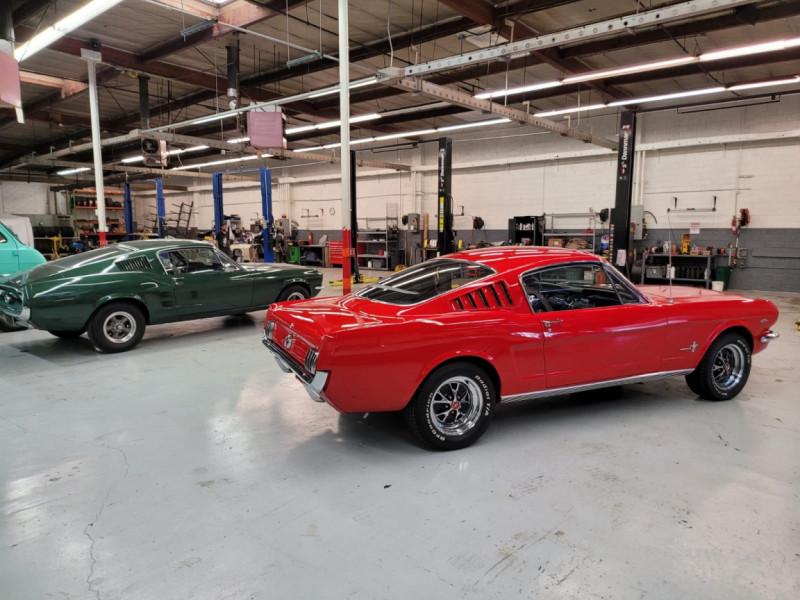 Photo 24 de l'offre de FORD MUSTANG FASTBACK 289 CI V8 à 65000€ chez Centrale auto marché Périgueux