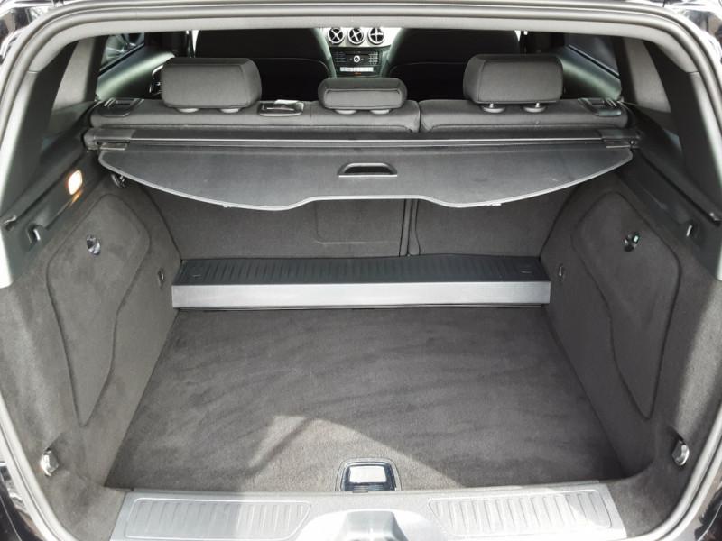 Photo 6 de l'offre de MERCEDES-BENZ CLASSE B 180 d Business à 14990€ chez Centrale auto marché Périgueux