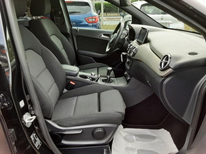 Photo 38 de l'offre de MERCEDES-BENZ CLASSE B 180 d Business à 14990€ chez Centrale auto marché Périgueux