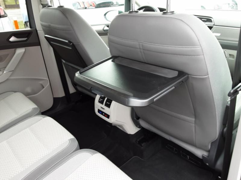 Photo 17 de l'offre de VOLKSWAGEN TOURAN 1.6 TDI 115CH DSG7 Confortline Business 7places à 20490€ chez Centrale auto marché Périgueux