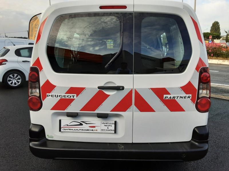 Photo 40 de l'offre de PEUGEOT PARTNER CABINE APPROFONDIE L2 1.6 HDI 90ch 5pl à 12900€ chez Centrale auto marché Périgueux