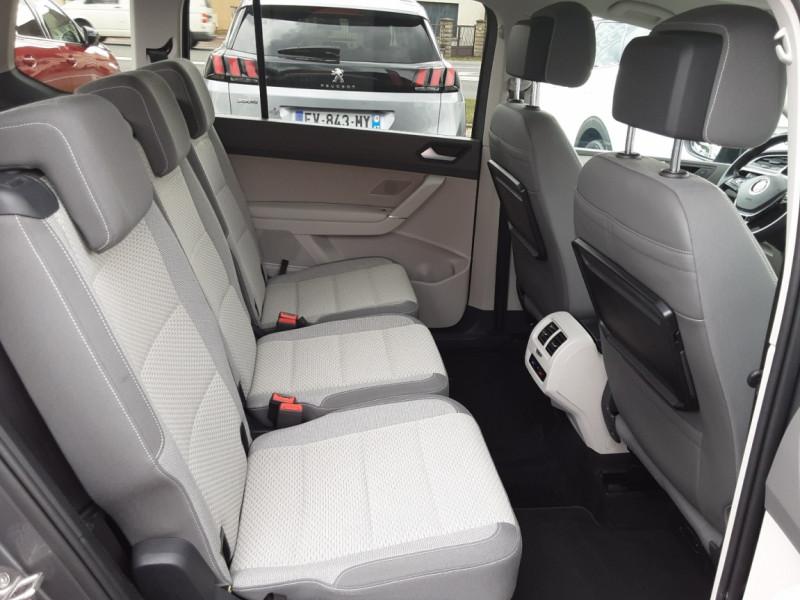 Photo 15 de l'offre de VOLKSWAGEN TOURAN 1.6 TDI 115CH DSG7 Confortline Business 7places à 20490€ chez Centrale auto marché Périgueux