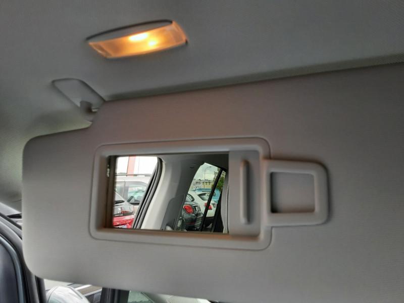Photo 46 de l'offre de VOLKSWAGEN TOURAN 1.6 TDI 115CH DSG7 Confortline Business 7places à 20490€ chez Centrale auto marché Périgueux