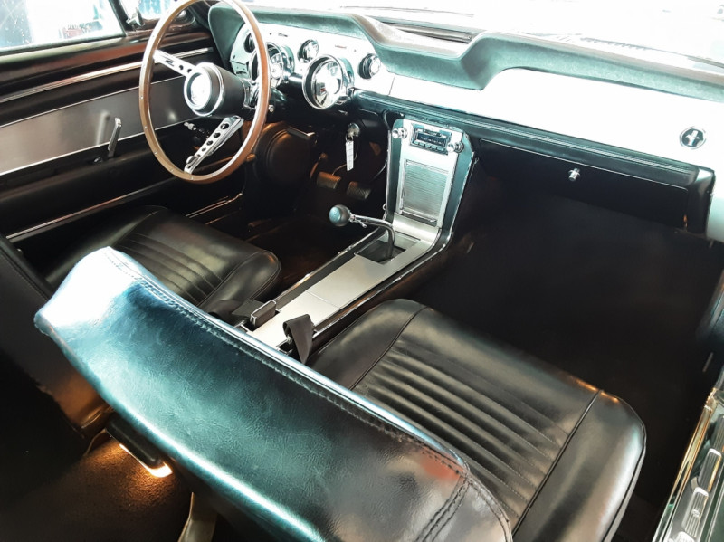 Photo 6 de l'offre de FORD MUSTANG FASTBACK 390 CODE S BULLITT à 109000€ chez Centrale auto marché Périgueux