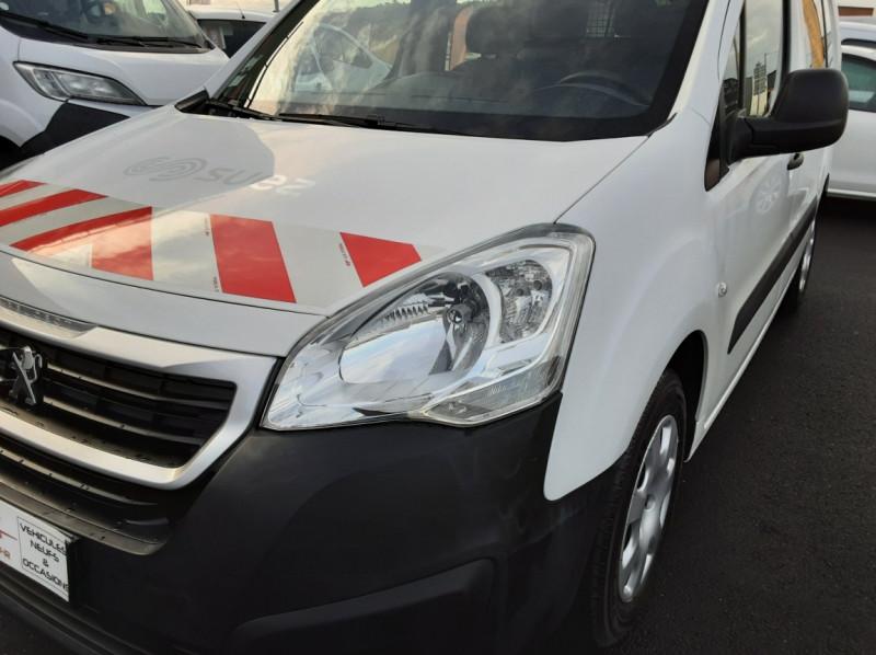 Photo 35 de l'offre de PEUGEOT PARTNER CABINE APPROFONDIE L2 1.6 HDI 90ch 5pl à 12900€ chez Centrale auto marché Périgueux