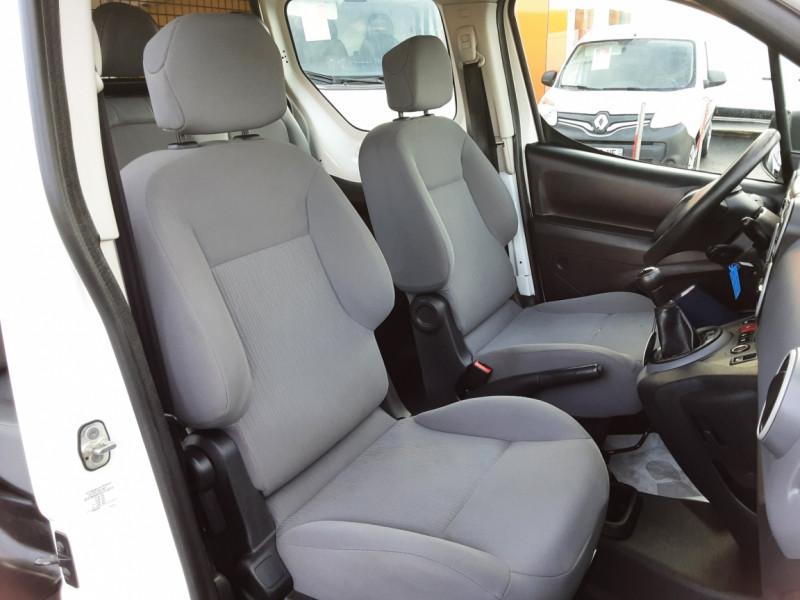 Photo 14 de l'offre de PEUGEOT PARTNER CABINE APPROFONDIE L2 1.6 HDI 90ch 5pl à 12900€ chez Centrale auto marché Périgueux