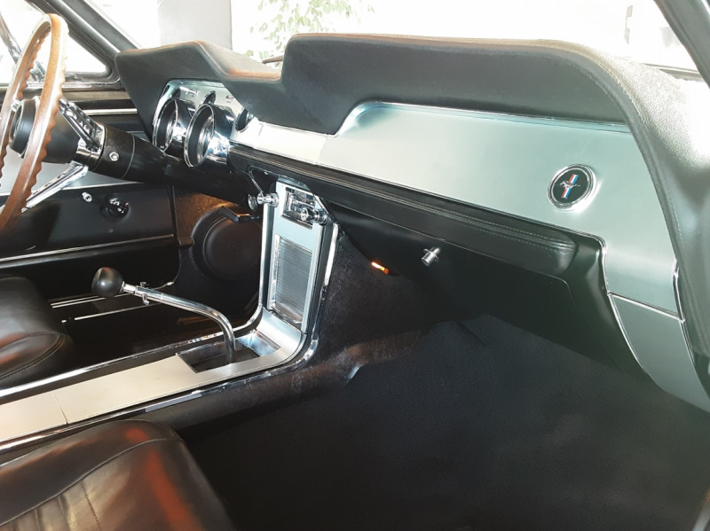 Photo 10 de l'offre de FORD MUSTANG FASTBACK 390 CODE S BULLITT à 109000€ chez Centrale auto marché Périgueux