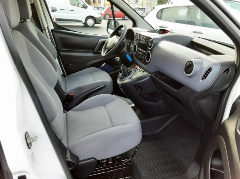 Photo 7 de l'offre de PEUGEOT PARTNER CABINE APPROFONDIE L2 1.6 HDI 90ch 5pl à 12900€ chez Centrale auto marché Périgueux