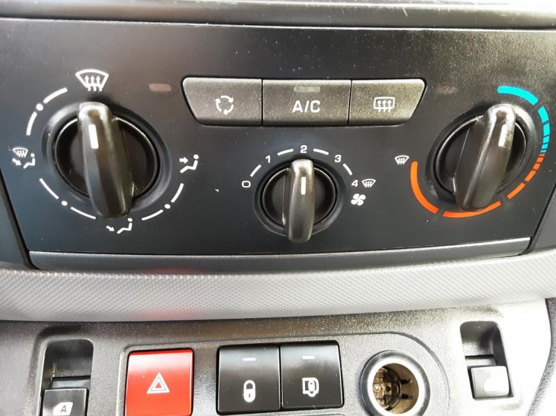 Photo 18 de l'offre de PEUGEOT PARTNER CABINE APPROFONDIE L2 1.6 HDI 90ch 5pl à 12900€ chez Centrale auto marché Périgueux