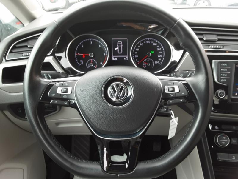 Photo 7 de l'offre de VOLKSWAGEN TOURAN 1.6 TDI 115CH DSG7 Confortline Business 7places à 20490€ chez Centrale auto marché Périgueux