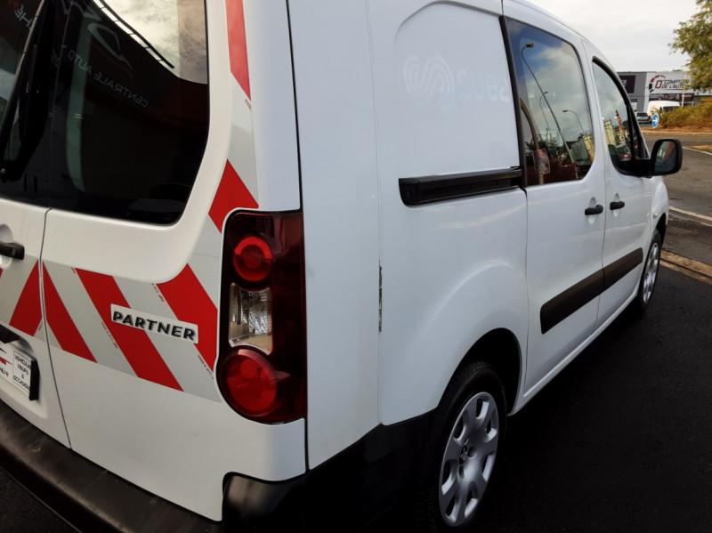 Photo 39 de l'offre de PEUGEOT PARTNER CABINE APPROFONDIE L2 1.6 HDI 90ch 5pl à 12900€ chez Centrale auto marché Périgueux