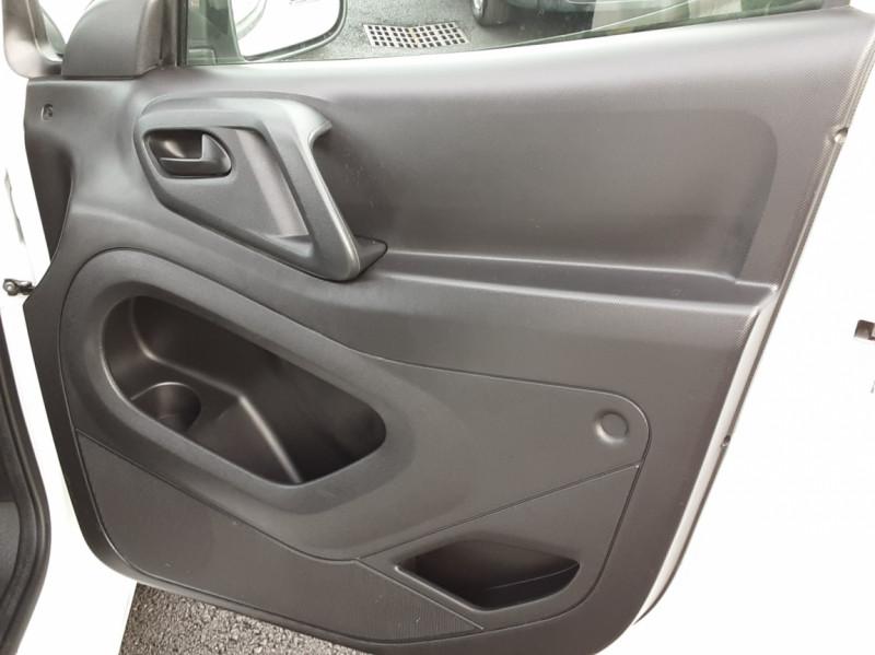 Photo 45 de l'offre de PEUGEOT PARTNER CABINE APPROFONDIE L2 1.6 HDI 90ch 5pl à 12900€ chez Centrale auto marché Périgueux