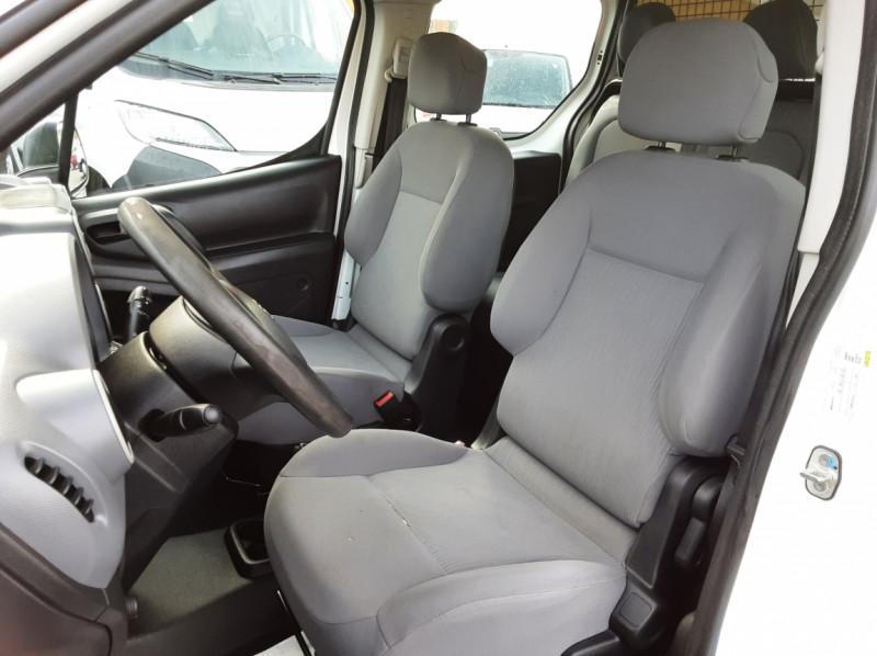 Photo 3 de l'offre de PEUGEOT PARTNER CABINE APPROFONDIE L2 1.6 HDI 90ch 5pl à 12900€ chez Centrale auto marché Périgueux